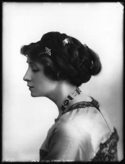 Valli Valli (née Valli Knust), by Bassano Ltd, 19 April 1911 - NPG x101930 - © National Portrait Gallery, London