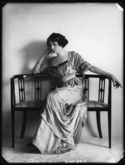 Valli Valli (née Valli Knust), by Bassano Ltd, 19 April 1911 - NPG x101935 - © National Portrait Gallery, London