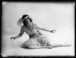 Ella Retford (Elinor Maud Dawe, née Flanagan), by Bassano Ltd - NPG x102400