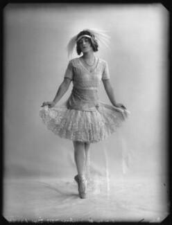 Ella Retford (Elinor Maud Dawe, née Flanagan), by Bassano Ltd - NPG x102401