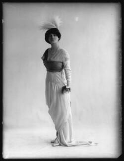 Ella Retford (Elinor Maud Dawe, née Flanagan), by Bassano Ltd - NPG x102404
