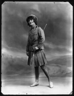 Ella Retford (Elinor Maud Dawe, née Flanagan), by Bassano Ltd - NPG x102409