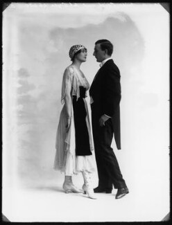 Dorma Leigh (née Dorothy Mabel Woodley) and Jan Oyra in 'Tina', by Bassano Ltd, 19 January 1916 - NPG x102604 - © National Portrait Gallery, London