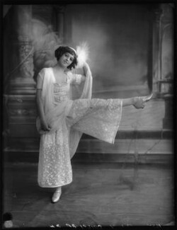 Ida Crispi in the Revue 'Everybody's Doing It', by Bassano Ltd - NPG x102795