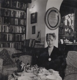 Margery Allingham, by Francis Goodman, 1949 - NPG Ax39593 - © National Portrait Gallery, London