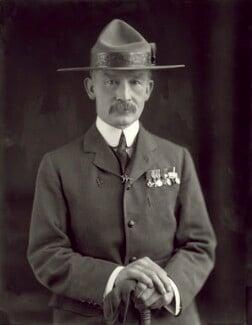 Robert Baden-Powell, by Henry Walter ('H. Walter') Barnett, 1908 - NPG x126435 - © National Portrait Gallery, London