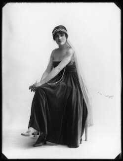 Doris Vinson, by Bassano Ltd - NPG x103256