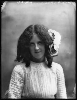 Grace Nolan, by Bassano Ltd, 29 September 1910 - NPG x103284 - © National Portrait Gallery, London