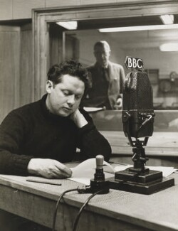 Dylan Thomas, by John Gay, published July 1948 - NPG x47303 - © National Portrait Gallery, London