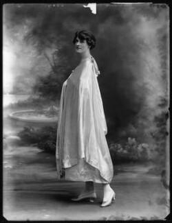 Doris Vinson, by Bassano Ltd - NPG x103410