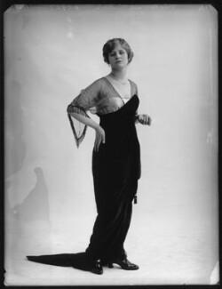 Beatrice Sinclair, by Bassano Ltd - NPG x103549