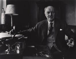 Sir Ralph Richardson, by Paul Joyce - NPG x13420