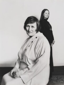 Una Margaret Patricia Kroll; Linda Mary Evans, by Mayotte Magnus, April 1977 - NPG x18620 - © Mayotte Lewinska