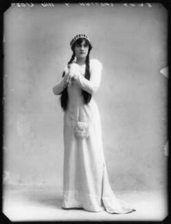 Lilian Hallows as Juliet in 'Romeo and Juliet', by Bassano Ltd, 1913 - NPG  - © National Portrait Gallery, London