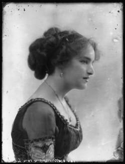Marjorie Villis, by Bassano Ltd, 28 April 1911 - NPG x103914 - © National Portrait Gallery, London