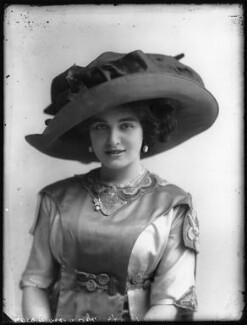 Marjorie Villis, by Bassano Ltd, 28 April 1911 - NPG x103915 - © National Portrait Gallery, London