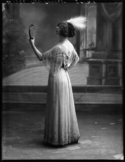 Florence Gladman (Mrs André Charlot), by Bassano Ltd - NPG x103943