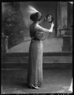 Florence Gladman (Mrs André Charlot), by Bassano Ltd - NPG x103944