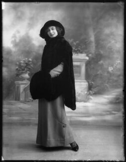 Florence Gladman (Mrs André Charlot), by Bassano Ltd - NPG x103948