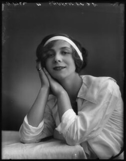 Florence Gladman (Mrs André Charlot), by Bassano Ltd - NPG x103950