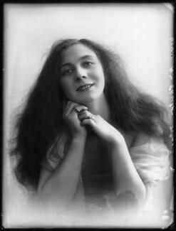 Florence Gladman (Mrs André Charlot), by Bassano Ltd - NPG x103952