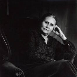 Doris Lessing, by Granville Davies, May 1988 - NPG x31037 - © Granville Davies / National Portrait Gallery, London