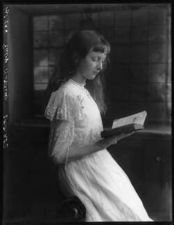 Hon. Ruby Beaumont-Nesbitt (née Hardinge), by Bassano Ltd - NPG x104023
