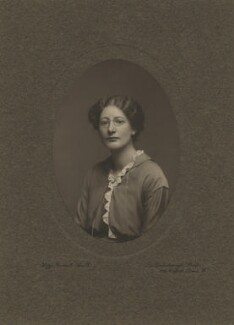 Marjorie Strachey, by Lizzie Caswall Smith, 1900s - NPG x13115 - © National Portrait Gallery, London