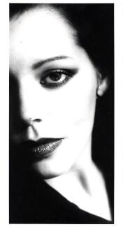 Cindy White, by Johnny Dewe-Mathews - NPG x6076
