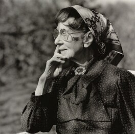 Dame Gwen Lucy Ffrangcon-Davies, by Lucinda Douglas-Menzies - NPG x35162