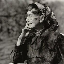 Gwen Ffrangcon-Davies, by Lucinda Douglas-Menzies - NPG x35162