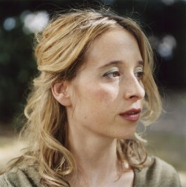 Noreena Hertz, by Véronique Rolland - NPG x126875