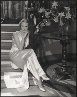 Gertrude Lawrence, by Francis Goodman, 1934 - NPG x68807 - © National Portrait Gallery, London