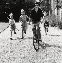 Virginia Ironside with three children, by Norman Parkinson - NPG x126951