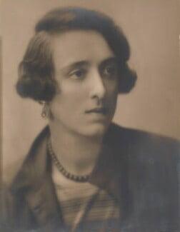 Vita Sackville-West, by Emil Otto ('E.O.') Hoppé, 28 February 1924 - NPG P1087 - © 2017 E.O. Hoppé Estate Collection / Curatorial Assistance Inc.