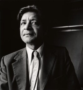 V.S. Naipaul, by Derry Moore, 12th Earl of Drogheda, 1972 - NPG x126965 - © Derry Moore