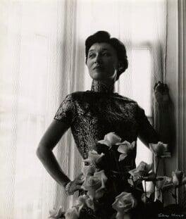 Han Suyin (née Elizabeth Kuanghu Chow, later Comber), by Ida Kar, 1958 - NPG x127119 - © National Portrait Gallery, London