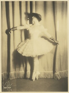 Louise Browne, by Strauss-Peyton Studio - NPG x127093