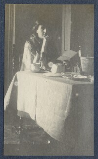 Virginia Woolf, by Lady Ottoline Morrell - NPG Ax141320