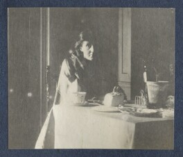 Virginia Woolf, by Lady Ottoline Morrell - NPG Ax141321