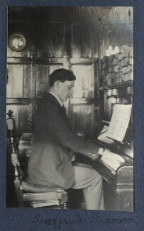 Siegfried Sassoon, by Lady Ottoline Morrell - NPG Ax141372