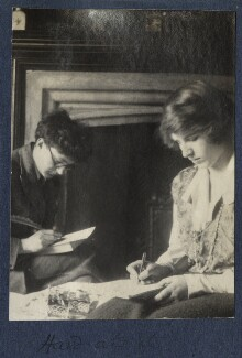 'Hard at it' (Mark Gertler; Julian Vinogradoff (née Morrell)), by Lady Ottoline Morrell - NPG Ax141481