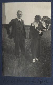 Walter de la Mare; Elfrida de la Mare (née Ingpen), by Lady Ottoline Morrell, June 1924 - NPG Ax141615 - © National Portrait Gallery, London