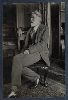 'The Poet Laureate' (Robert Bridges), by Lady Ottoline Morrell, October 1924 - NPG Ax142022 - © National Portrait Gallery, London