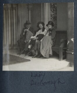 Group at Taplow Court, by Lady Ottoline Morrell, 1925 - NPG Ax142188 - © National Portrait Gallery, London