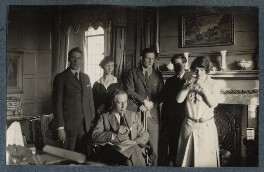 Group including Siegfried Sassoon and Gilbert Spencer at Garsington, by Lady Ottoline Morrell - NPG Ax142421