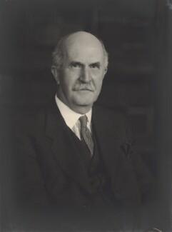 Sir William Henry Bragg, by Walter Stoneman - NPG x25109