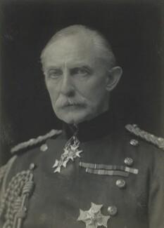 Arnold Allan Keppel, 8th Earl of Albemarle, by Walter Stoneman, 1921 - NPG x67422 - © National Portrait Gallery, London