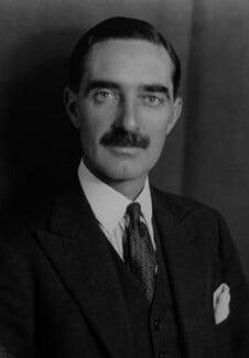 Clarence Napier Bruce, 3rd Baron Aberdare, by Elliott & Fry, 1942 - NPG x82122 - © National Portrait Gallery, London
