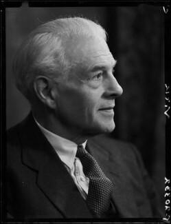 Sir Godfrey Russell Vick, by Elliott & Fry - NPG x86067